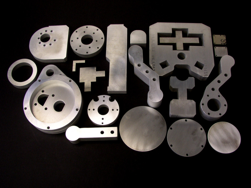 peças cortadas com omax waterjet